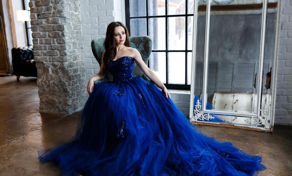 s23514905 Короткое платье с пышной юбкой (53 фото): свадебное, на выпускной, белое, черное или розовое