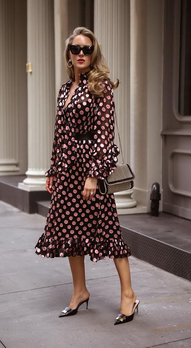 столицей модные платья в горошек фото самого утра