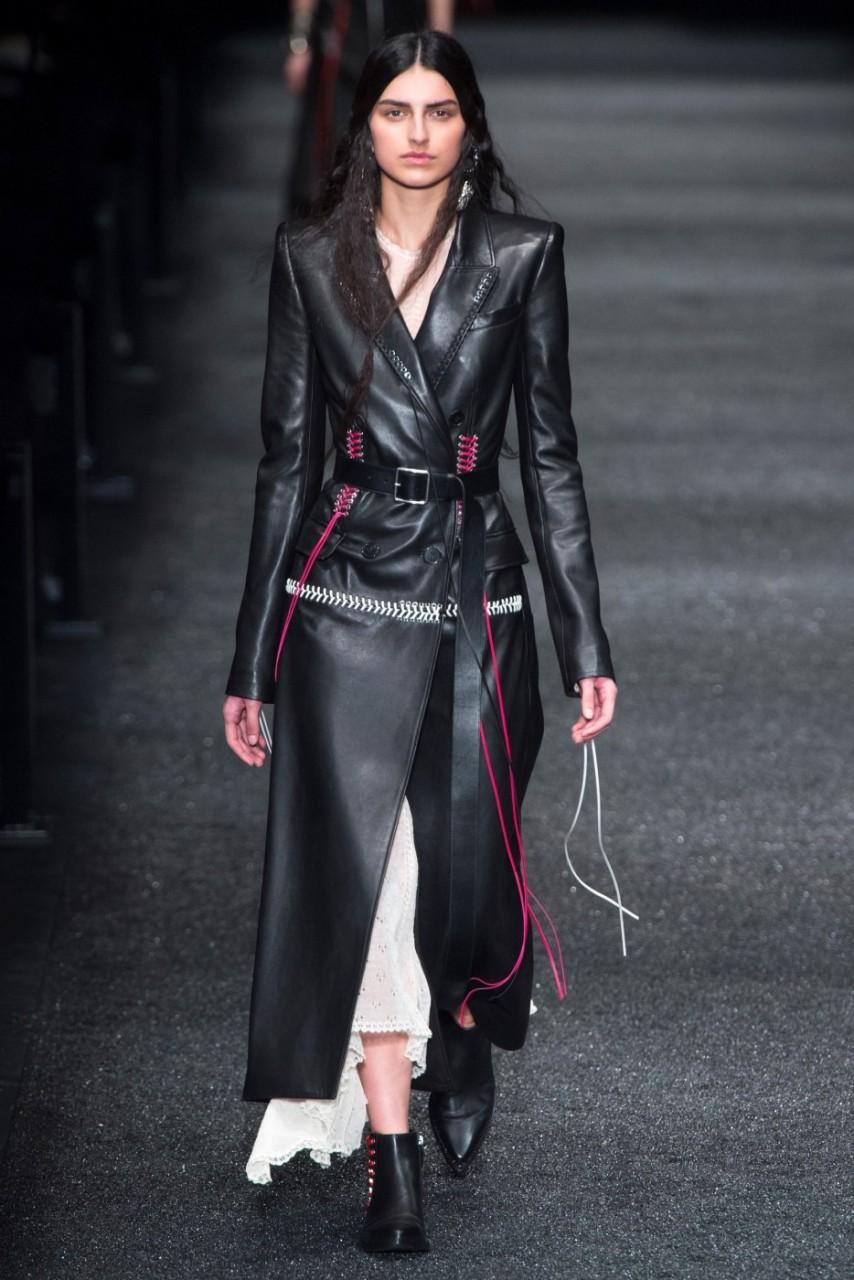 оплате модные кожаные женские пальто фото среда