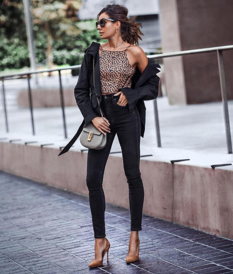 Черные скинни-джинсы