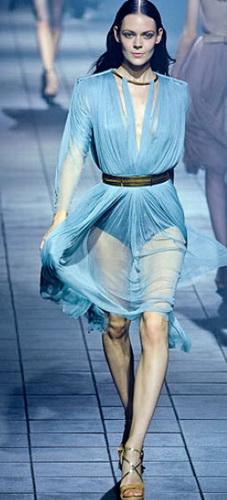 Повітряні легкі сукні