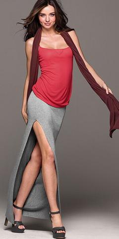 Фото девушек в чулках и в юбках с разрезам