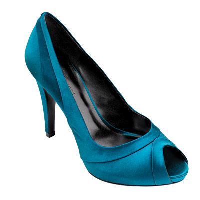 Одежда синего цвета