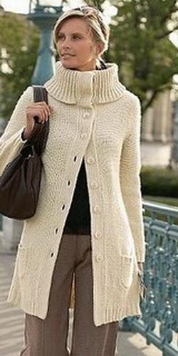 Вязаное пальто с