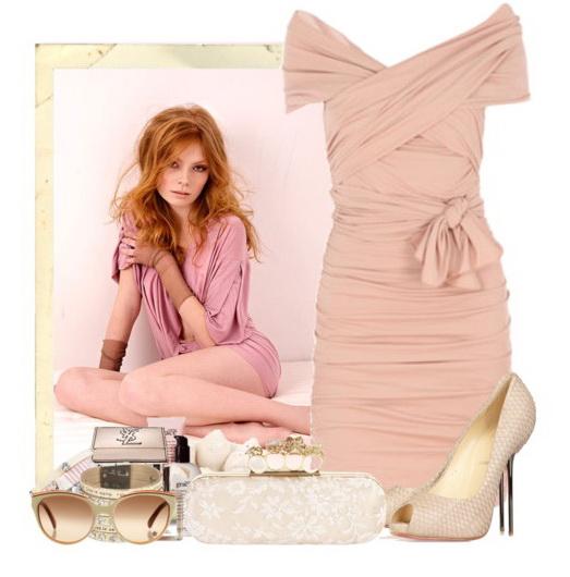Розовое платье с блеском
