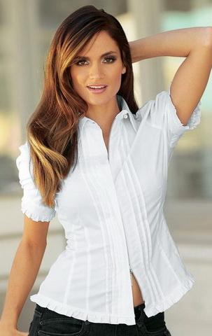b13 Вибираємо білу блузку