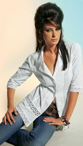 b15 Вибираємо білу блузку