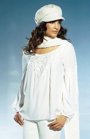 b2 Вибираємо білу блузку