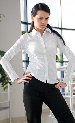 b20 Вибираємо білу блузку