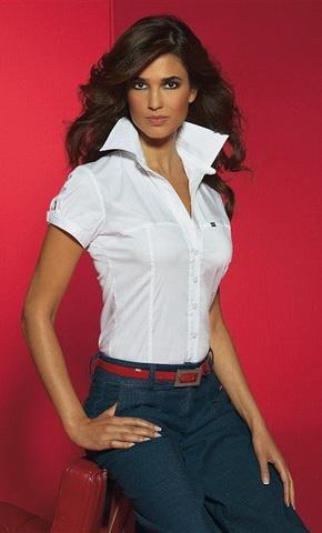 b32 Вибираємо білу блузку