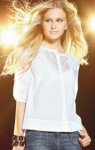 b7 Вибираємо білу блузку