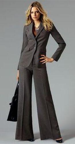 Шелковые брючные костюмы женские с доставкой