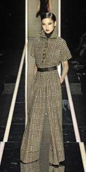 История брючного костюма