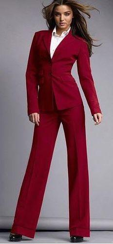 Брючный костюм для осени