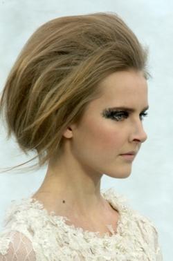 chanel thumb Модні зачіски: головне   різноманітність