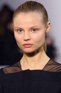 jil sander ponytail thumb Модні зачіски: головне   різноманітність
