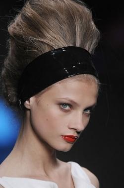 karl lagerfeld thumb Модні зачіски: головне   різноманітність