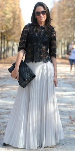 Светлая плиссированная юбка