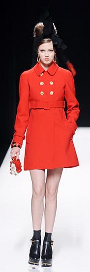 красное пальто